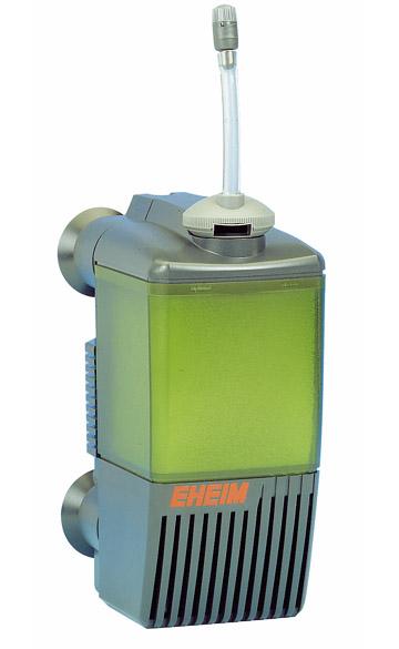 El EHEIM pickup es un pequeño y práctico filtro con un concepto especial.  El filtro se fija en el acuario fácilmente con ventosas. Lo especial del concepto pickup es, que usted puede extraer el recipiente filtrante con la esponja fácilmente desde arriba, mientras la unidad de la bomba se queda dentro del acuario. Eso resulta muy práctico, cuando limpia o cambia el cartucho filtrante. La bomba aspira el agua desde abajo y lo conduce a través de la esponja filtrante hacia arriba. El agua limpia vuelve después al acuario por la boquilla giratoria de salida.  Ventajas del EHEIM pickup   Entrada de agua desde abajo Boquilla giratoria de salida para determinar la dirección del flujo de agua Tamaños superiores pickup 60 y 160 vienen equipados con un difusor para la apropiada alimentación del agua con oxígeno Recipiente con esponja filtrante se separa fácimente desde arriba de la unidad de la bomba Completamente equipado con cartucho filtrante y listo para usar al momento Se puede utilizar también con el cartucho de carbón activo para la filtración adsortiva del agua (p.ej. durante una nueva instalación o después del tratamiento con medicamentos)